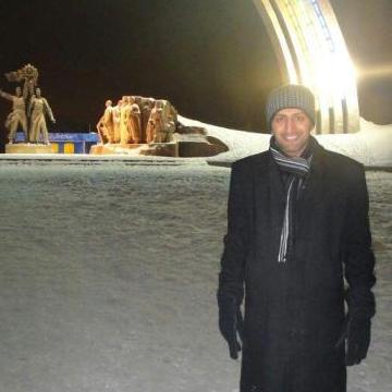 Umar, 30, Manduria, Italy