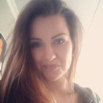 Becky , 23, New Plymouth, New Zealand