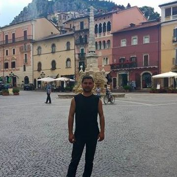 Asif Ali, 34, Avezzano, Italy