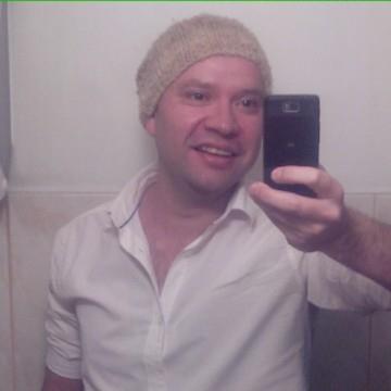 Gonzalo Rojas Navarro, 41, Santiago, Chile