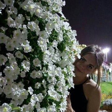 Vitaliya, 28, Dubai, United Arab Emirates