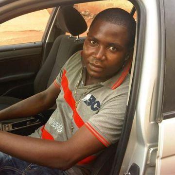 charles onwuka, 31, Lome, Togo