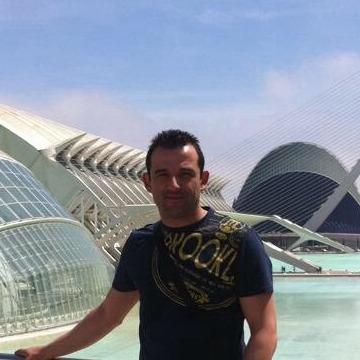 Martin Rusinkov, 40, Valencia, Spain