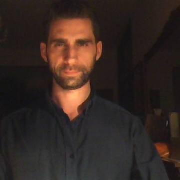 Angelo, 39, Casarano, Italy
