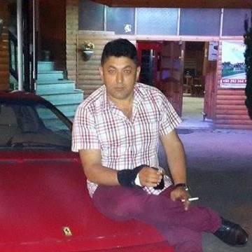 Kadir Bilgetecan, 39, Izmit, Turkey