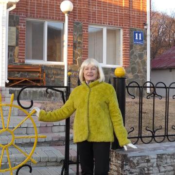 Галина, 61, Vladivostok, Russia