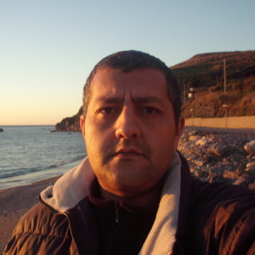mario, 39, Guardia Piemontese, Italy