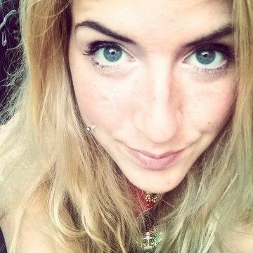 Arianna, 23, Turin, Italy
