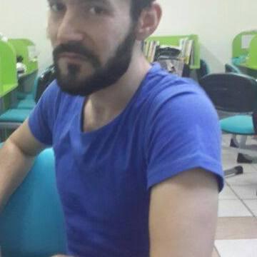 ilhan, 31, Ankara, Turkey