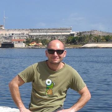 Raffaele, 37, Angera, Italy