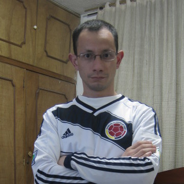 José Leonel Cifuentes C., 37, Bogota, Colombia