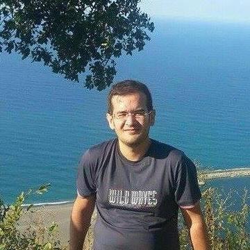 Özgür Kurudirek, 34, Istanbul, Turkey