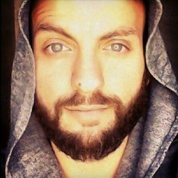 Louis, 30, Dubai, United Arab Emirates