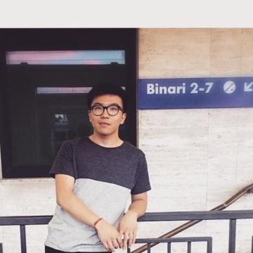 Yang, 21, Bagnacavallo, Italy