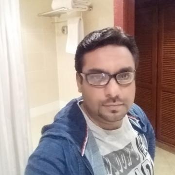 Emran, 37, Dubai, United Arab Emirates