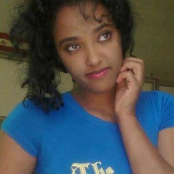 Michelle, 26, Dakar, Senegal