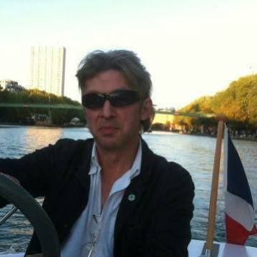 Mikhaïl Bogatyrev, 53, Paris, France