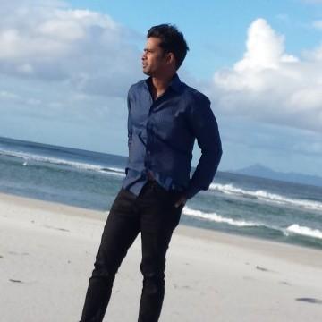 Aslam, 31, Auckland, New Zealand