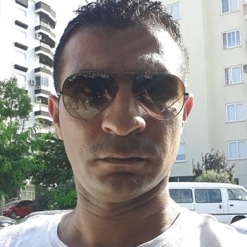 Hasan Yardımcı, 37, Mersin, Turkey