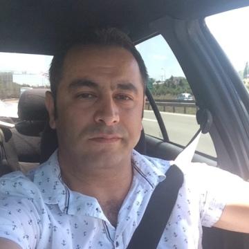 Ayhan Ekinci, 38, Istanbul, Turkey