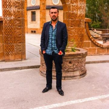 Cengiz, 29, Istanbul, Turkey