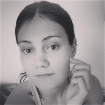Caterina, 27, Fano, Italy