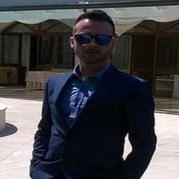 Mariano Romano, 30, Napoli, Italy