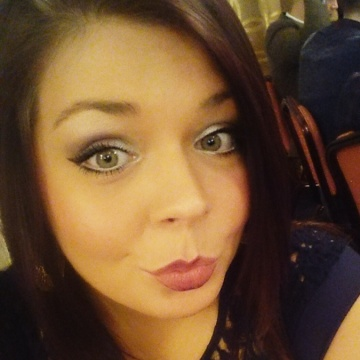 Laura , 26, Newcastle, United Kingdom