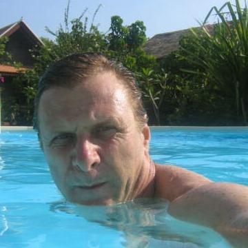 George, 52, London, United Kingdom
