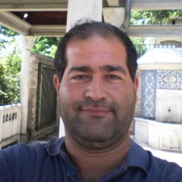 Arisz Szertaridisz, 40, Budapest, Hungary