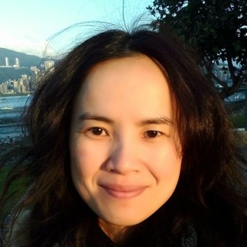 Nora Chang, 39, Craiova, Romania