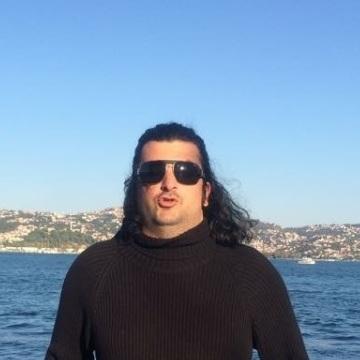 Baran Koğuzlu, 37, Istanbul, Turkey