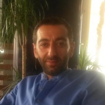 ferman, 38, Istanbul, Turkey