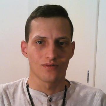 Ross, 31, Swindon, United Kingdom
