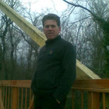 Kelvin Cruise, 46, Mannheim, Germany