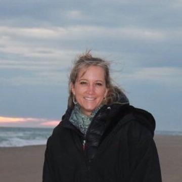 Kelly, 48, Madrid, Spain