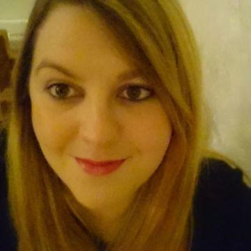 Tori Robertson, 31, Kingston Upon Hull, United Kingdom