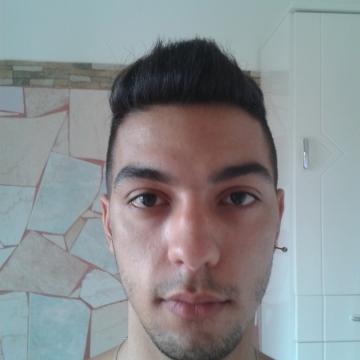 Giuseppe Valluzzi, 22, Laterza, Italy