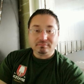 Cornel Best, 41, San Benedetto Del Tronto, Italy