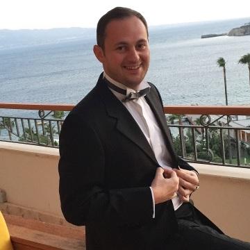 Yener Poroy, 34, Izmir, Turkey