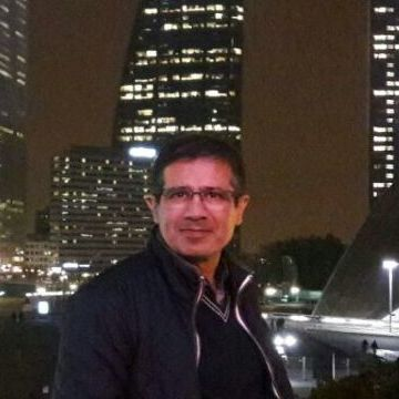 saeed, 36, Paris, France
