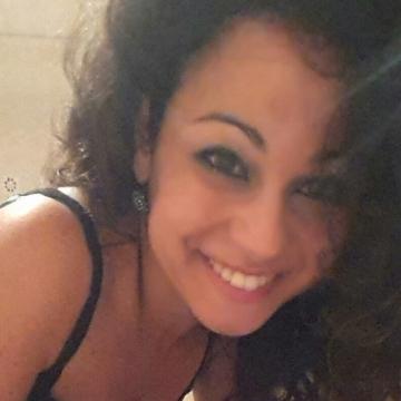 Iolanda Gisondo, 28, Terlizzi, Italy