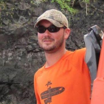ryan harris, 31, Honolulu, United States