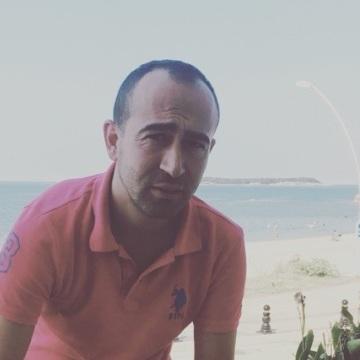 Umut, 29, Istanbul, Turkey
