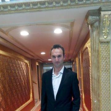 Adem Saraç, 30, Istanbul, Turkey