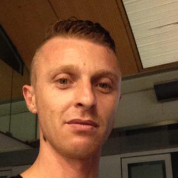 Valentino Vale, 32, Bolzano, Italy