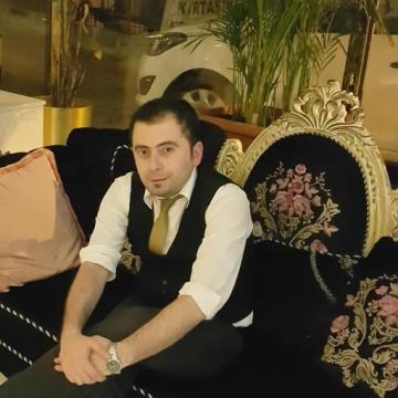Gökhan Akça, 31, Istanbul, Turkey
