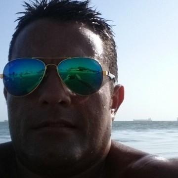 Ximeno Gonzalez, 44, Barranquilla, Colombia