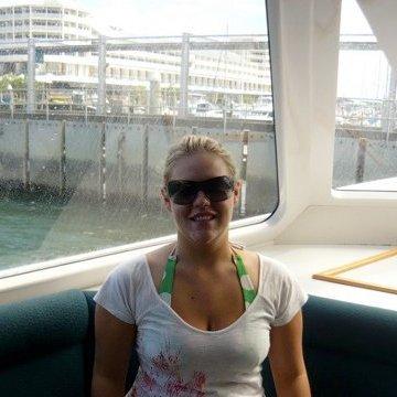 Chloe, 27, Auckland, New Zealand