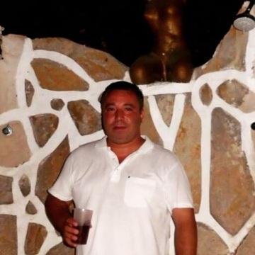 Ozan Barker, 44, Istanbul, Turkey